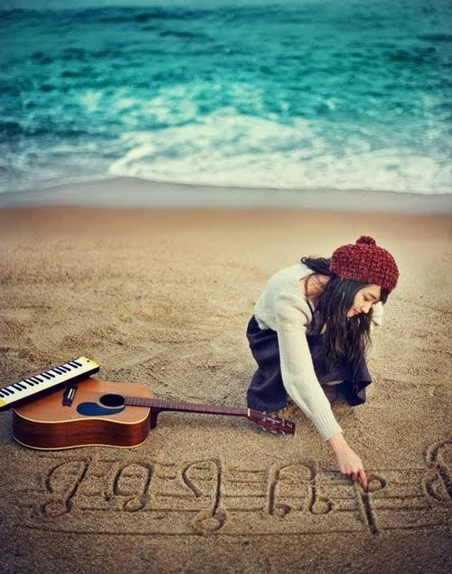 beach-cute-girl-guitar-ice-cream-favim-com-163342-1